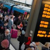 train, delay, wait, crowded, platform